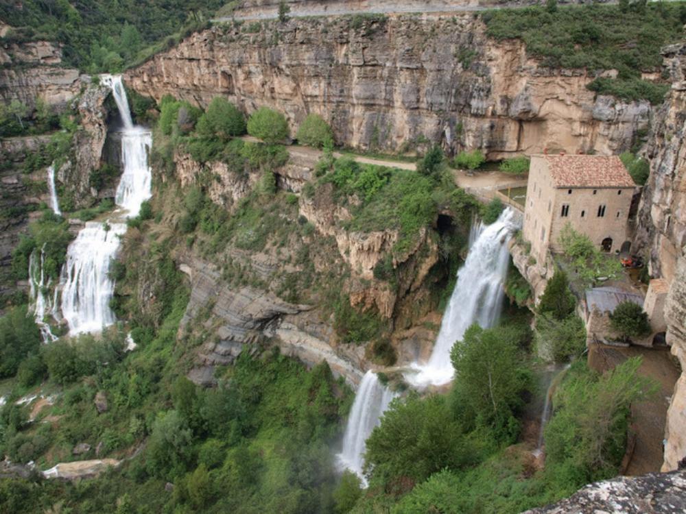 Cingles de bert desde riells amigos barcelona for Piscinas naturales montseny